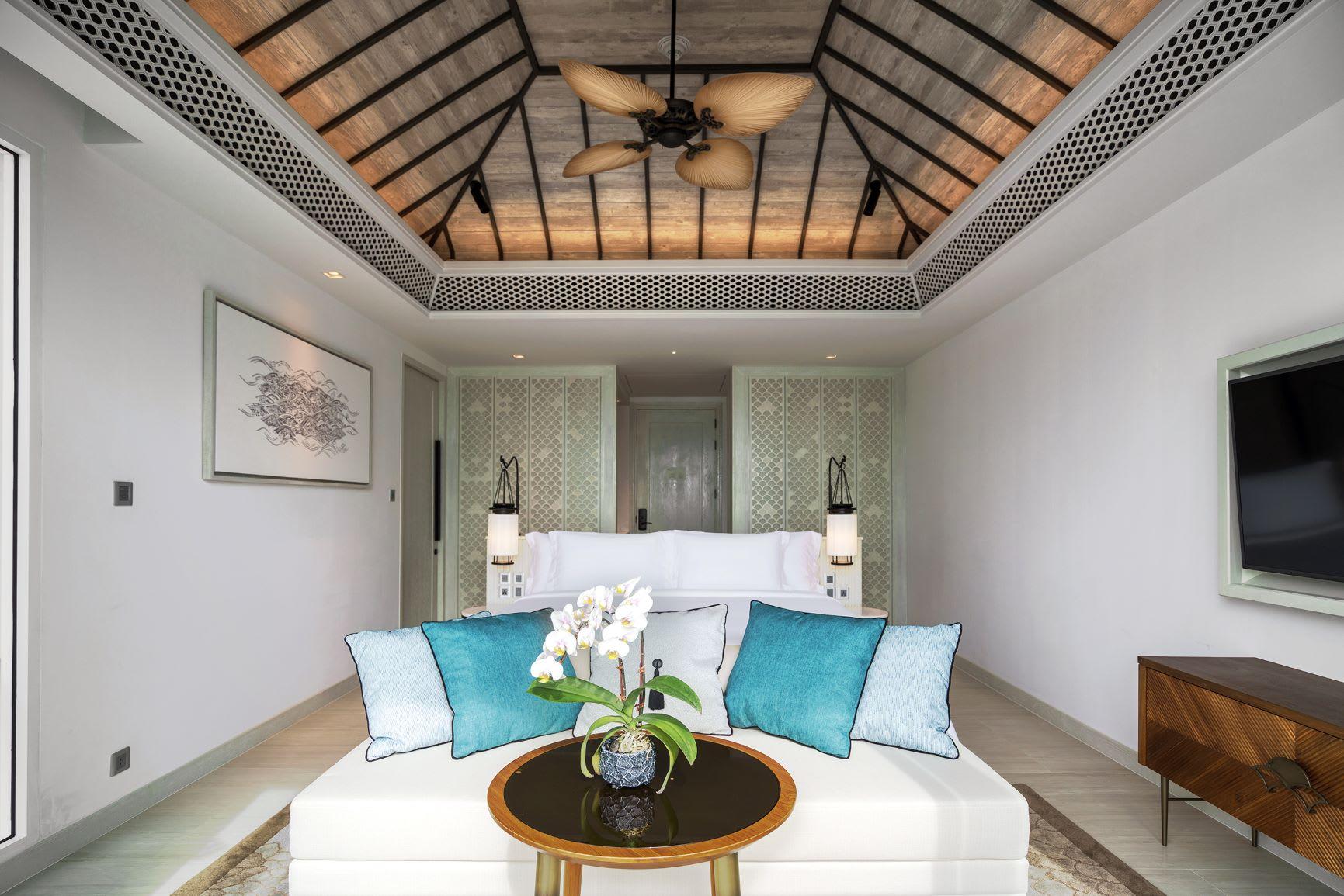 Deluxe Garden Pool Suite  4