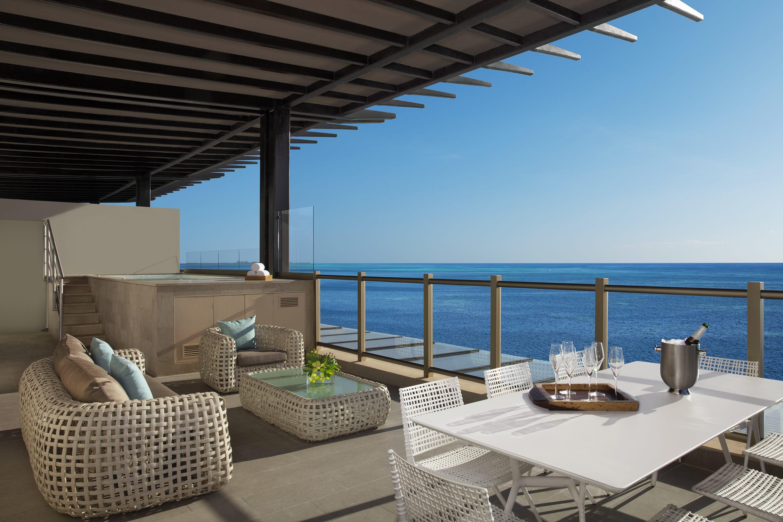 Preferred Club Presidential Suite – Terrace on 8th Floor