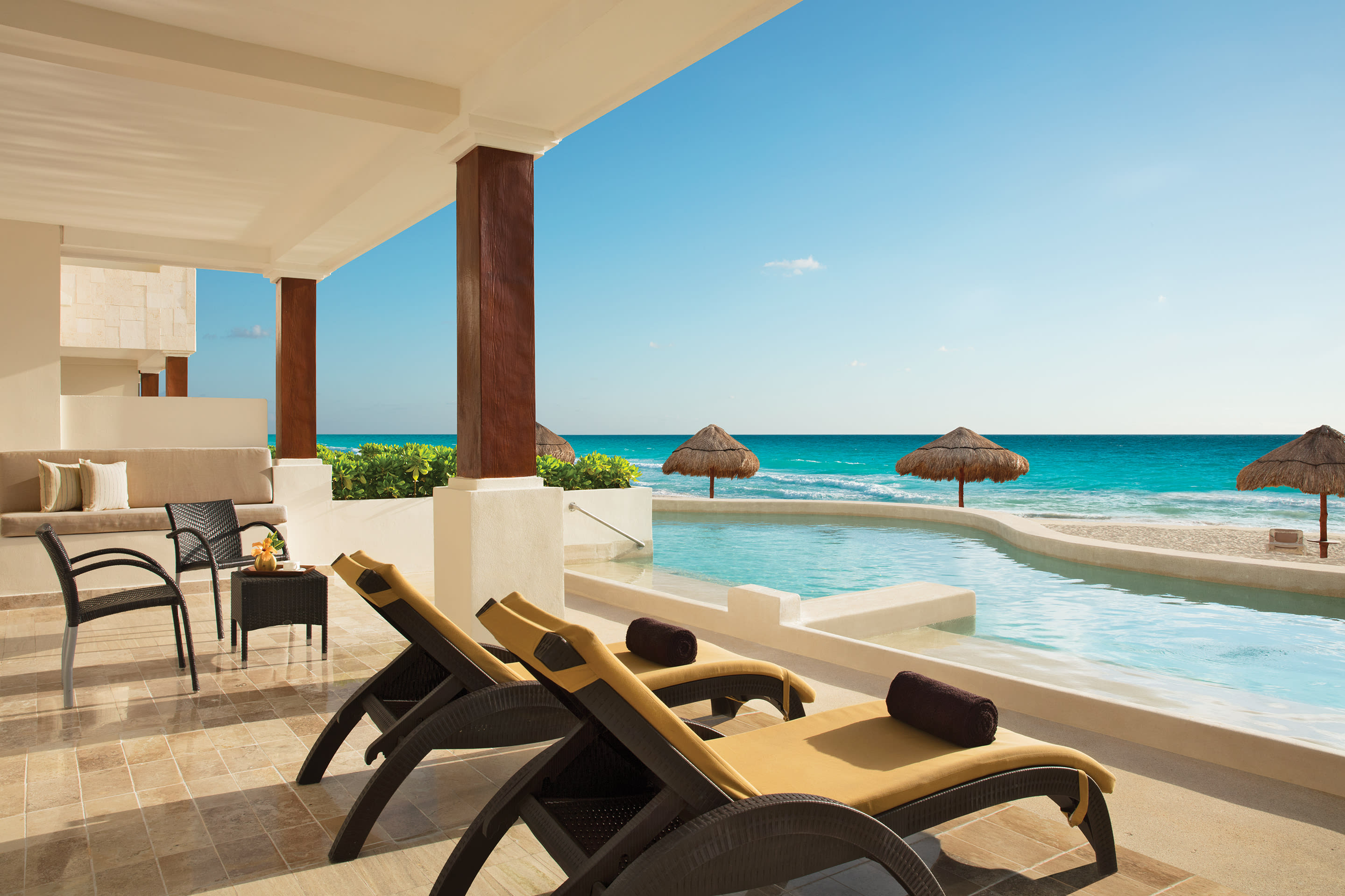 Preferred Club Master Suite Beach Front Swim Out terrace