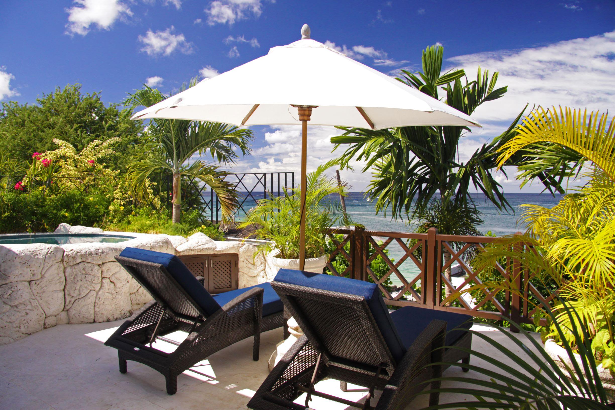 Treetop balcony suite