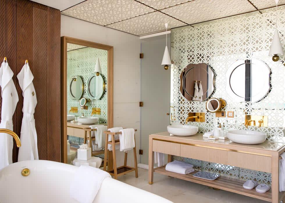 Abu Dhabi Suite Bathroom