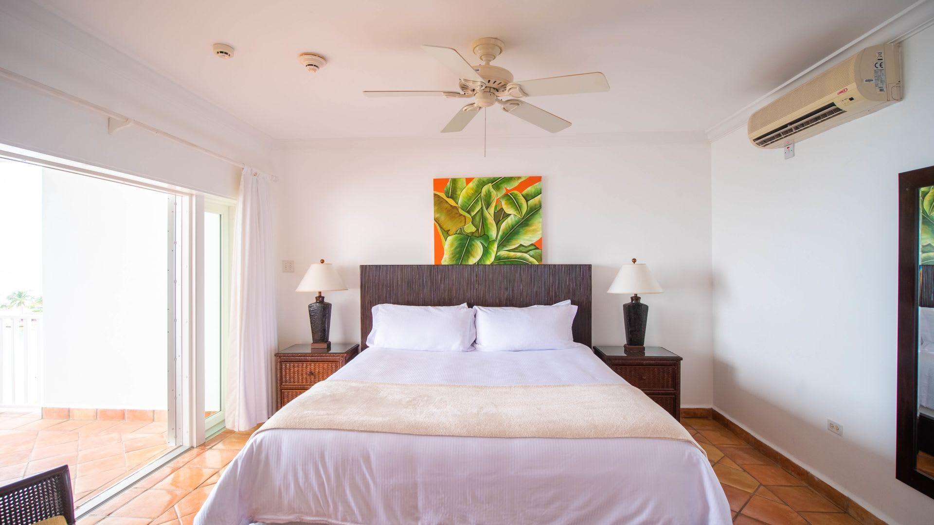 One Bedroom Oceanfront suite king