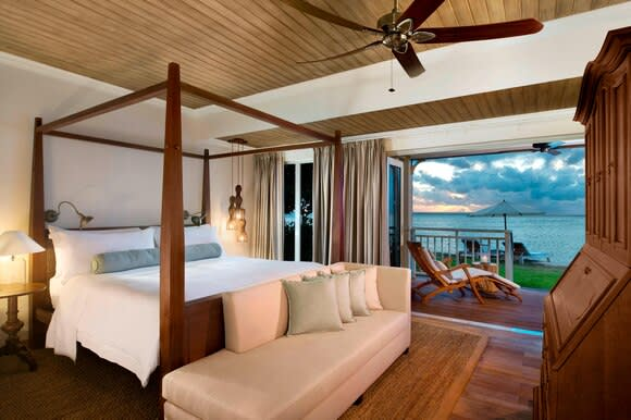 Beachfront St Regis Access bedroom