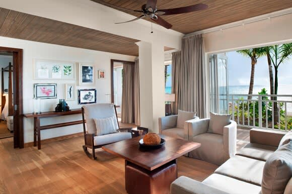 Beachfront St Regis Access room and view