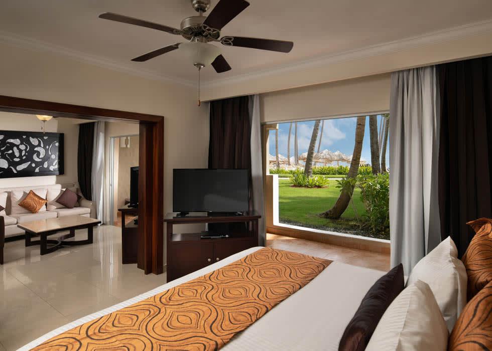 Preferred Club Honeymoon Bedroom