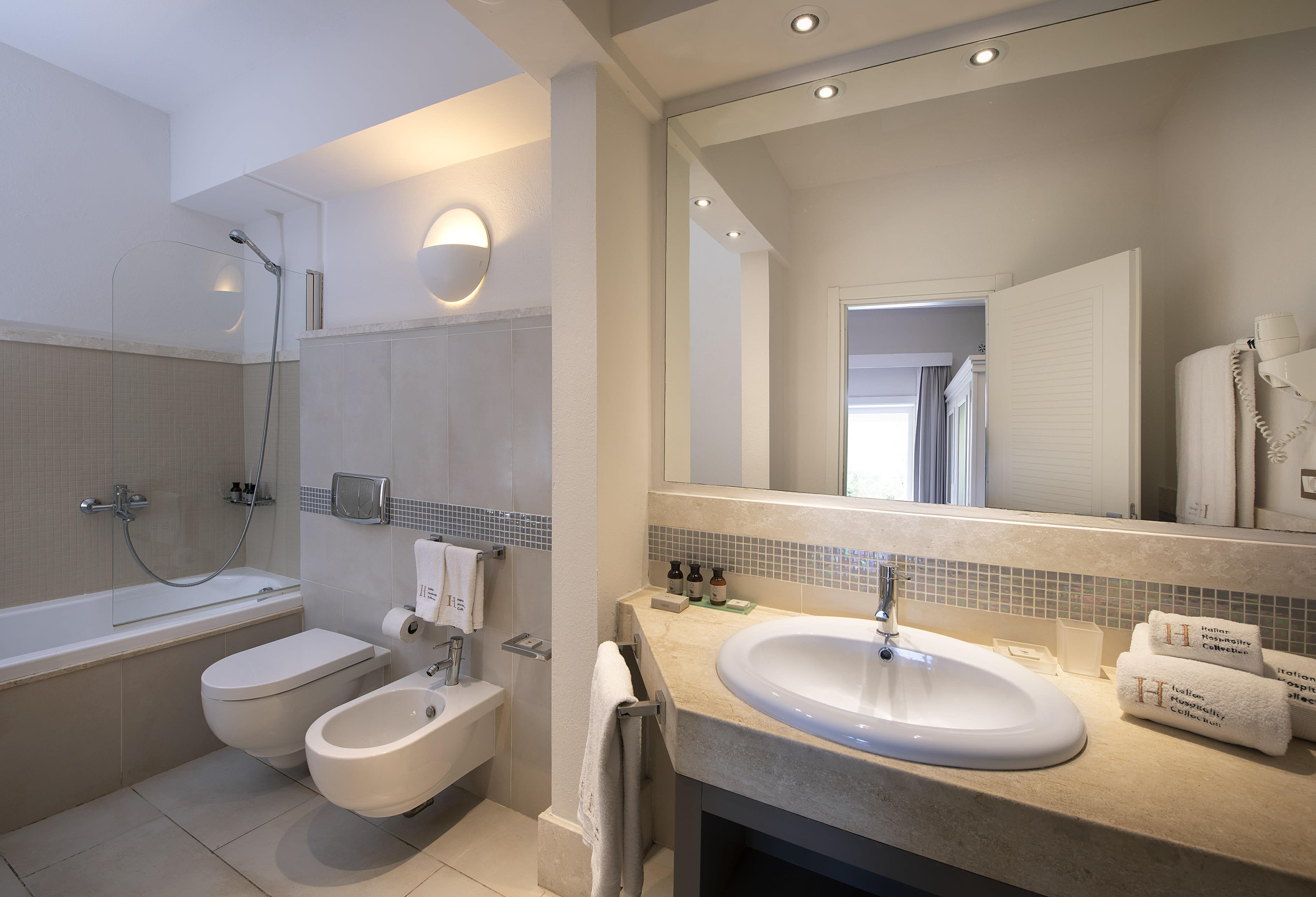 Superior Cottage Bathroom with bathtub