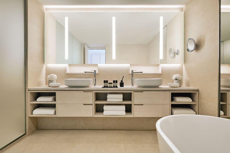 Panorama Junior Suite Bathroom