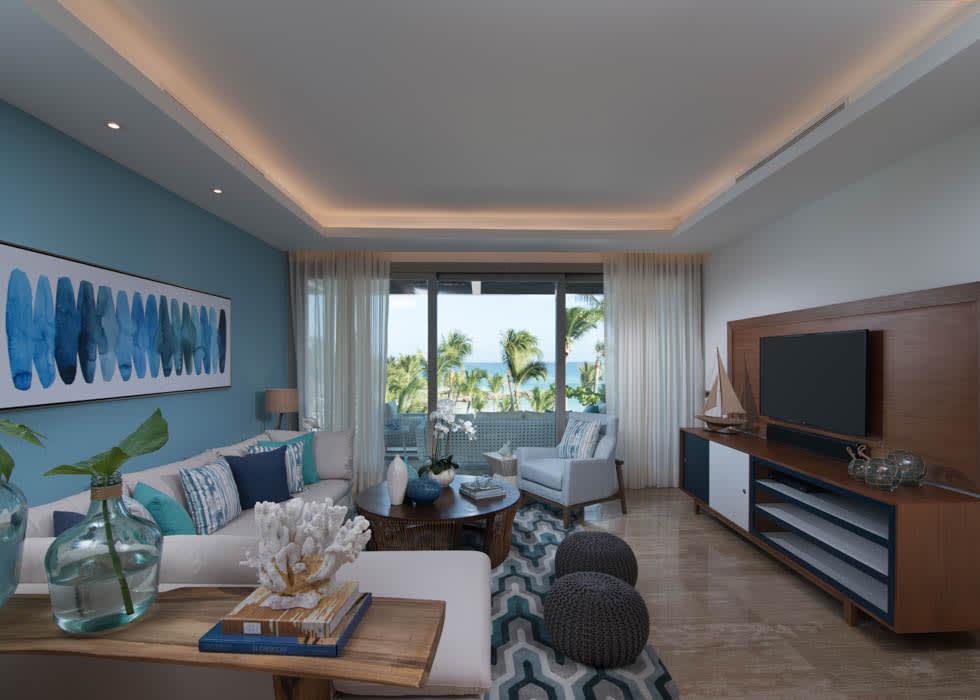 Beachfront suite living