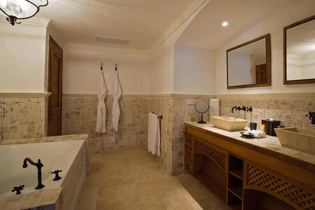 Villa Suite bathroom