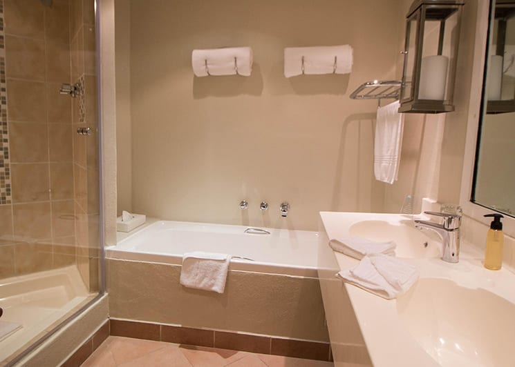 The Bay Hotel Mountain Bathroom