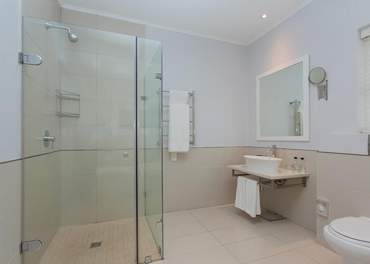 Fancourt Hotel Two Bedroom Suite Bathroom