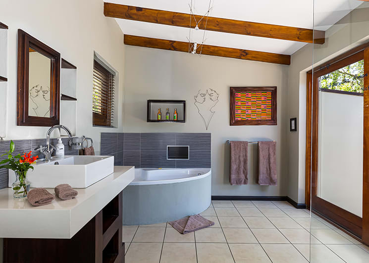 Hog Hollow Double Suite Bathroom