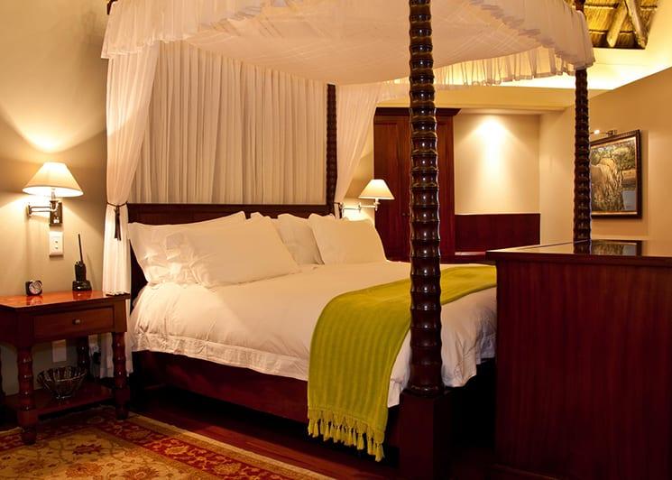 Oceana Beach & Wildlife Lodge Suite Bed