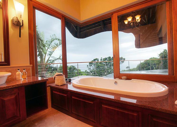 Oceana Beach & Wildlife Ocean Suite Bathroom