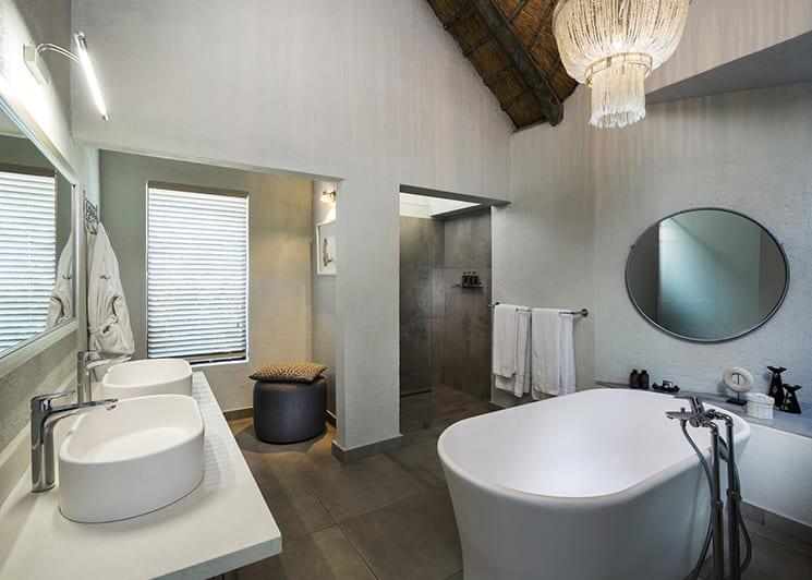 Ulusaba Rock Lodge Makwela Bathroom