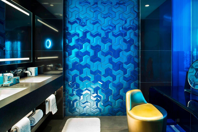 W Suite shower room