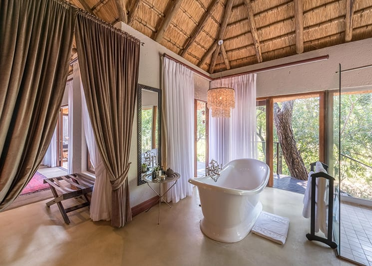 Dulini Lodge Suite Bathroom