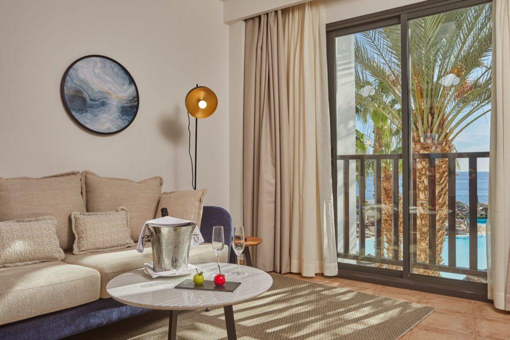 Suite Ocean View Preferred Club lounge
