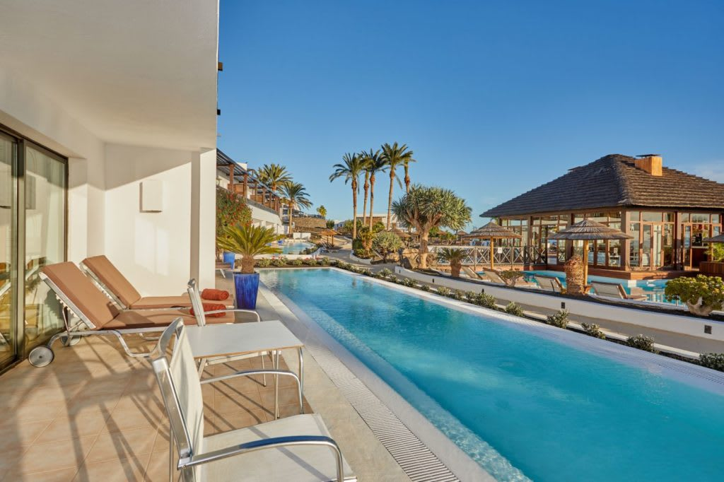 Swim up suite terrace