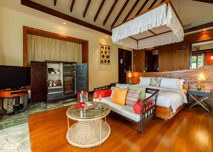 Ozen Reserve Bolifushi Earth Pool Villa Master Bedroom Amenities