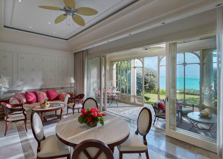Mandarin Oriental Canouan One Bedroom Beachfront Suite Living Room
