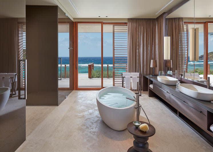 Mandarin Oriental Canouan Patio Villa Bathroom