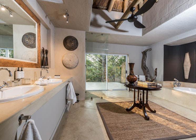 Sabi Sabi Bush Lodge Mandleve Suite Bathroom