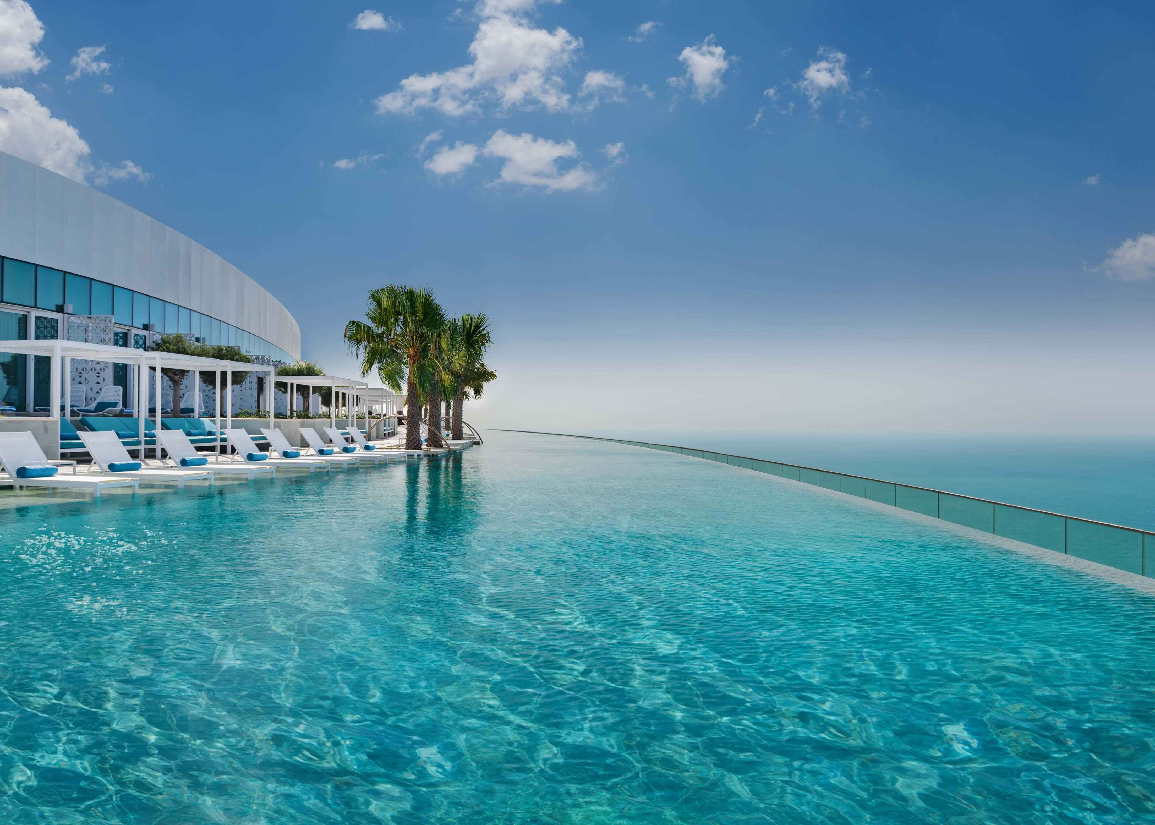 Address Beach Resort, floor 77