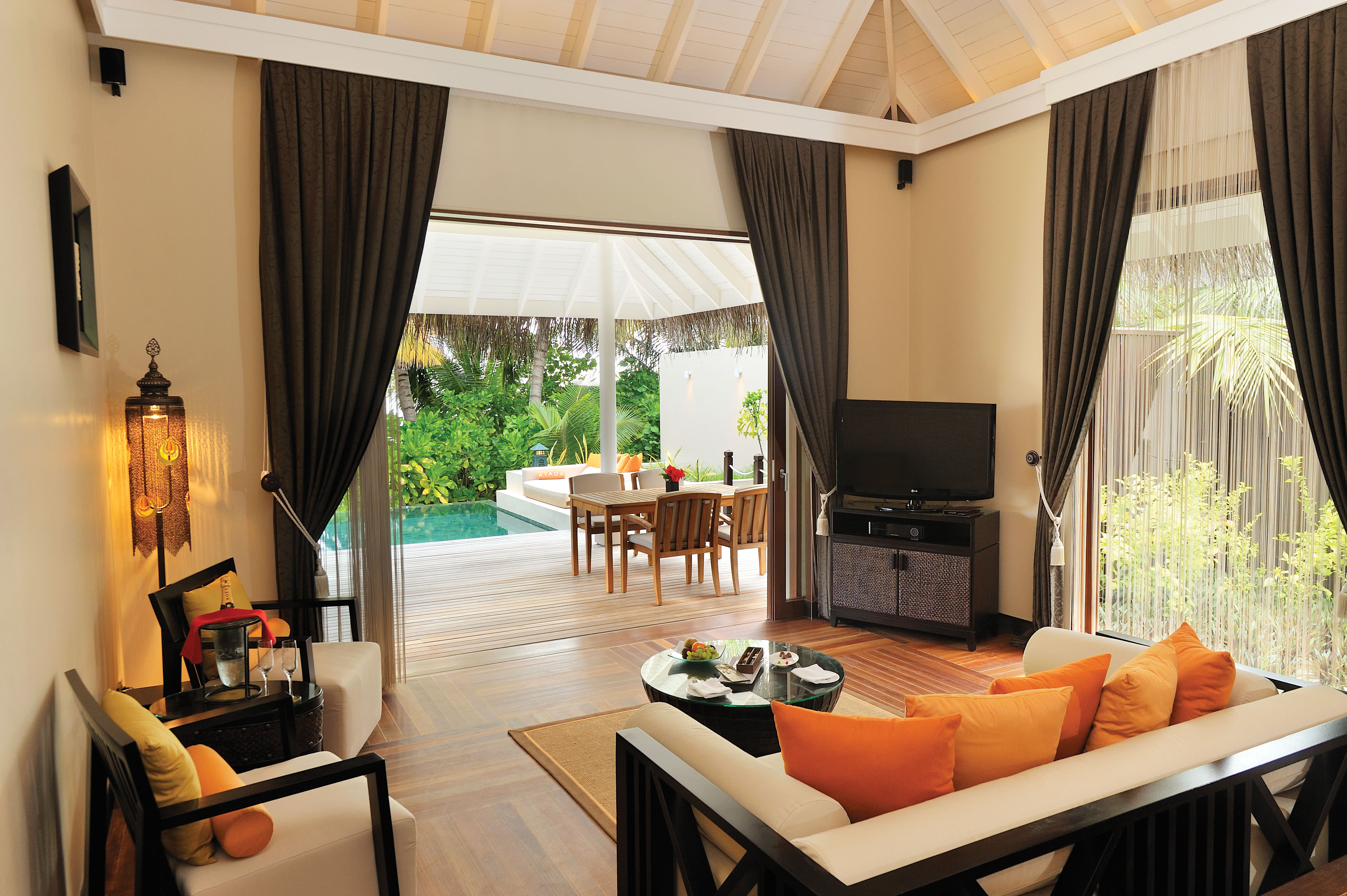 Sunset Beach Suite with Pool