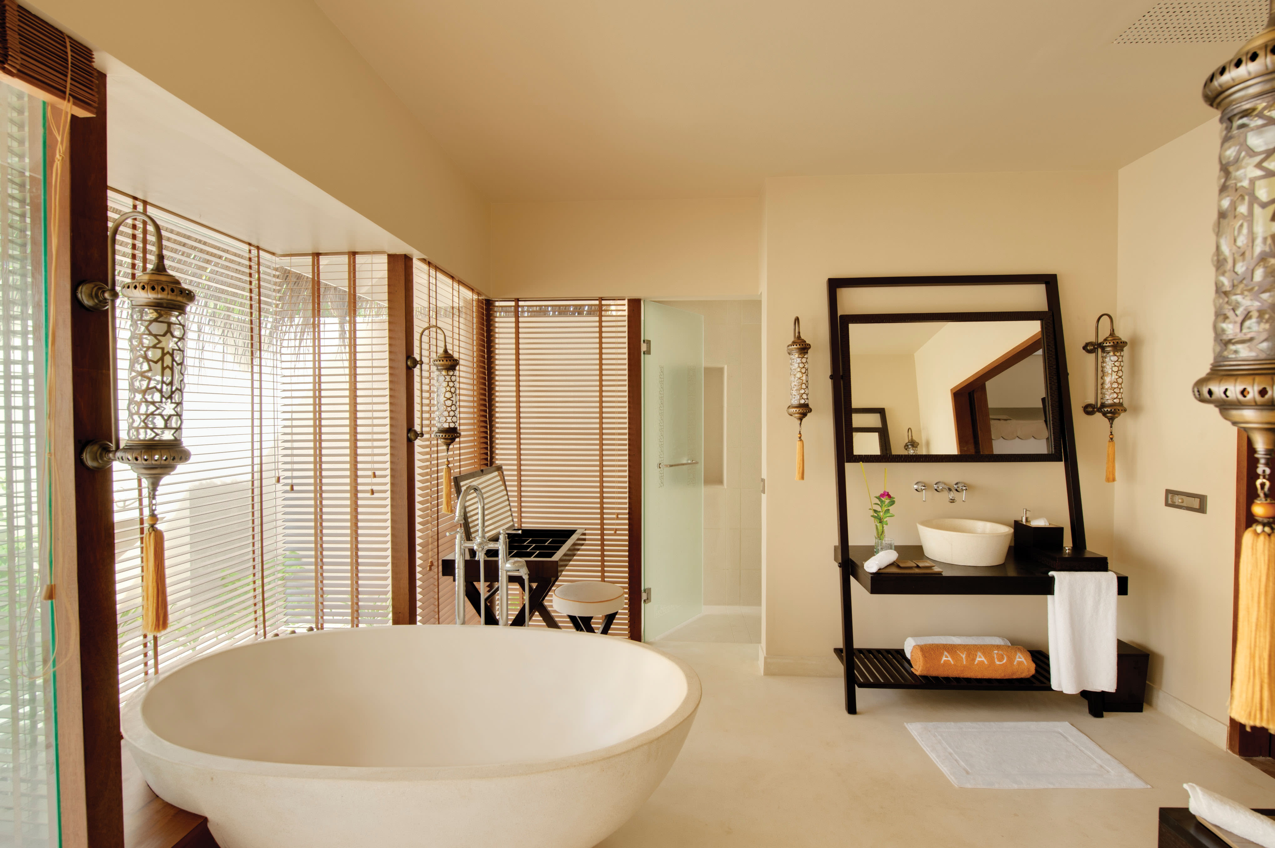 Sunset Ocean Family Suite with Pool
