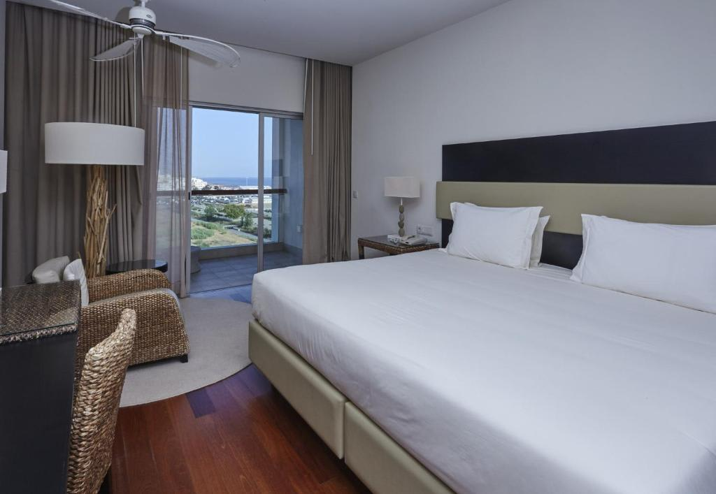 Superior Double with Side Sea View3