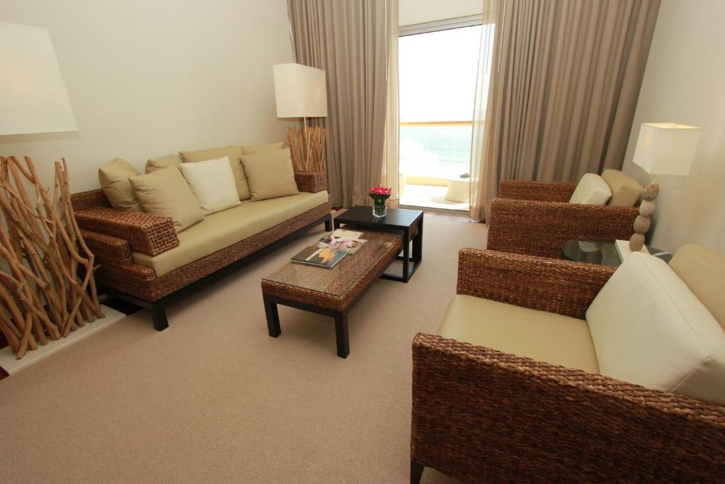 Junior Suite with Sea View3