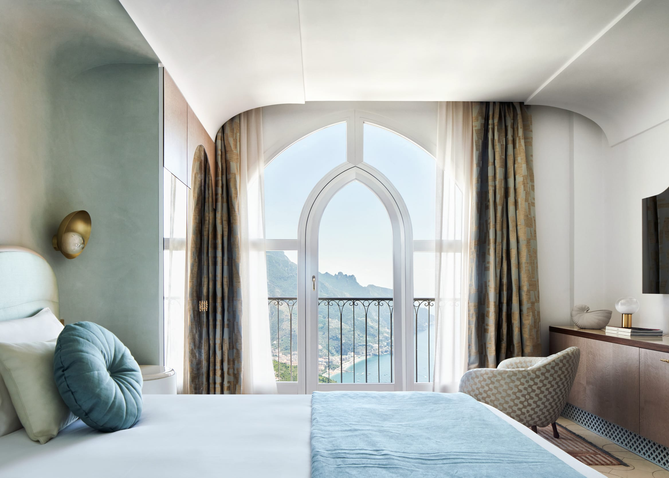 Aquamarine Deluxe sea view Room with French Balcony
