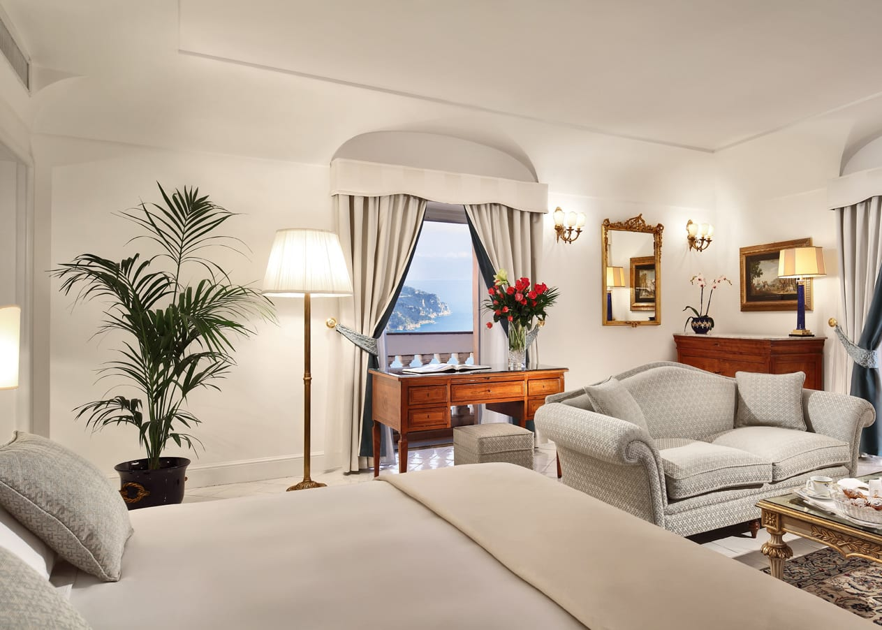 Deluxe Suite with Terrace and Sea View