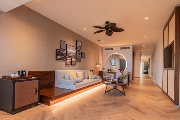 Nivana prestige One Bedroom Suite with Plunge Poolliving room