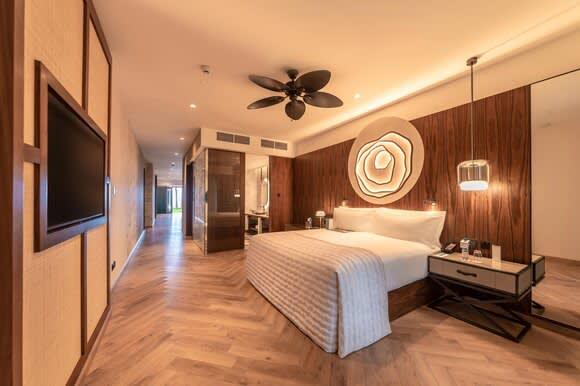 Nivana prestige One Bedroom Suite with Plunge Pool bedroom
