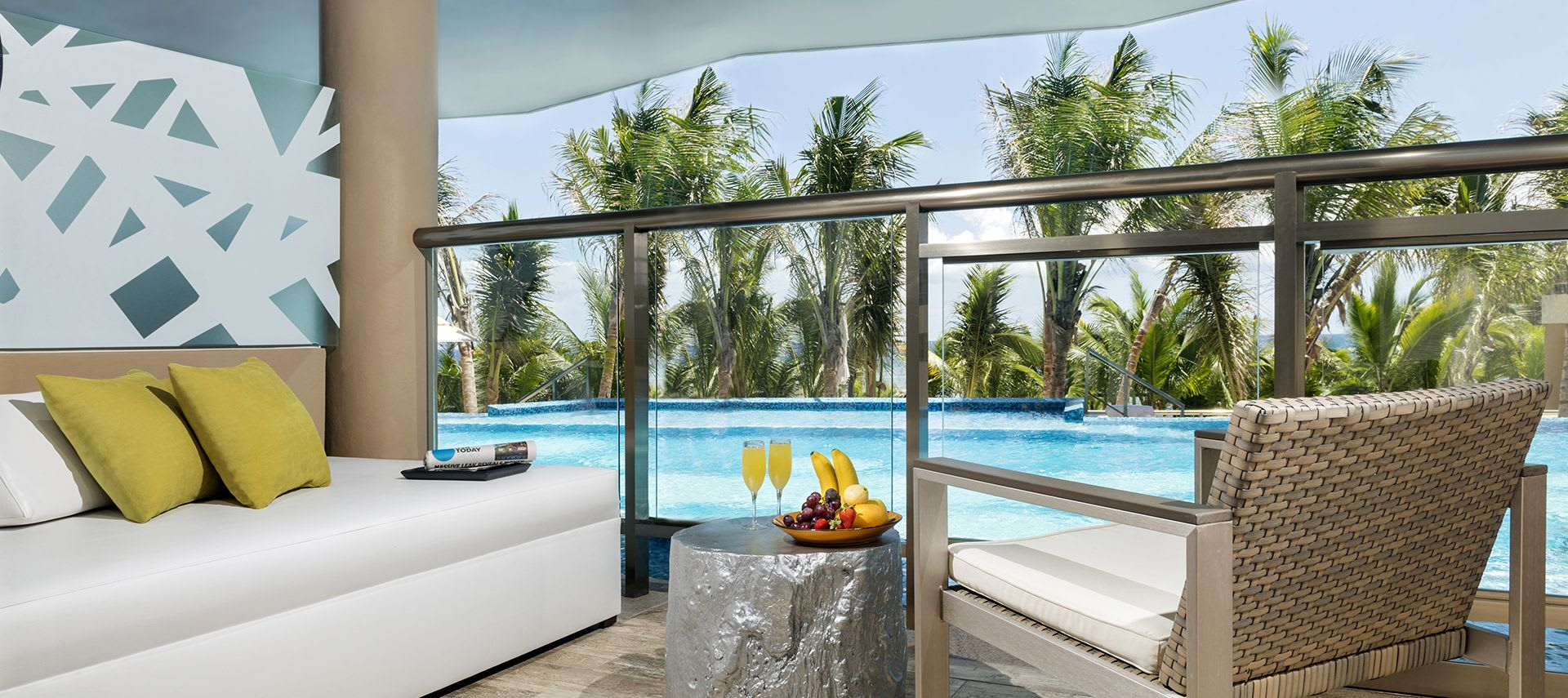Balcony with pool