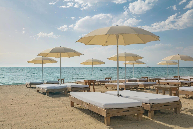 Chiringuito Blue Beach beds