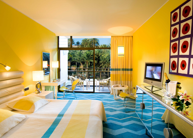 Superior Room Yellow