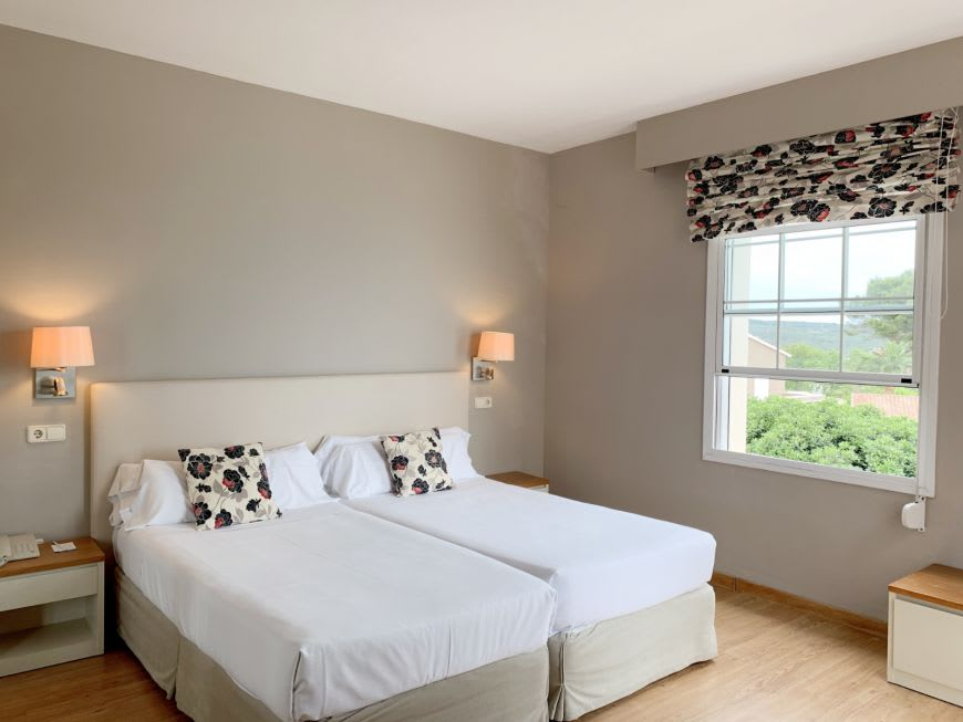 Double Room with Sea View Balcony1