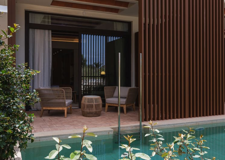 Double Swim Up With Garden View