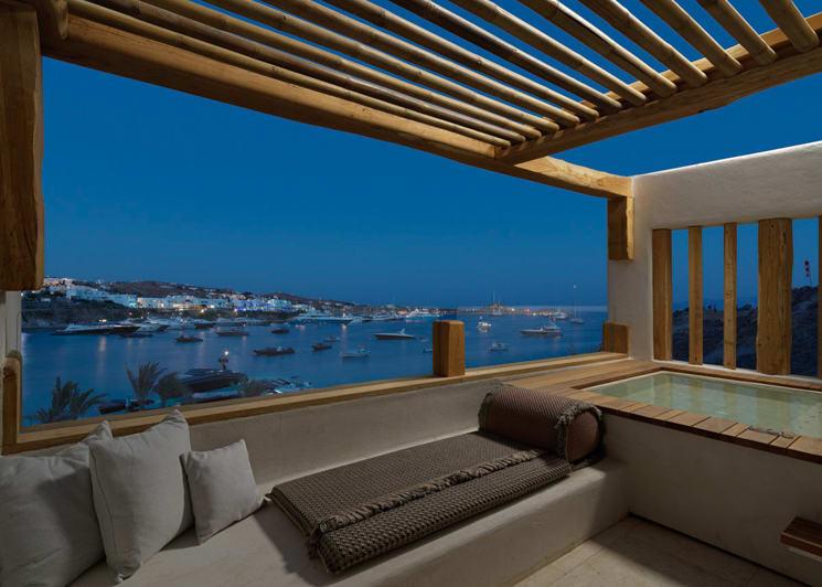 Deluxe room outdoor hot tub