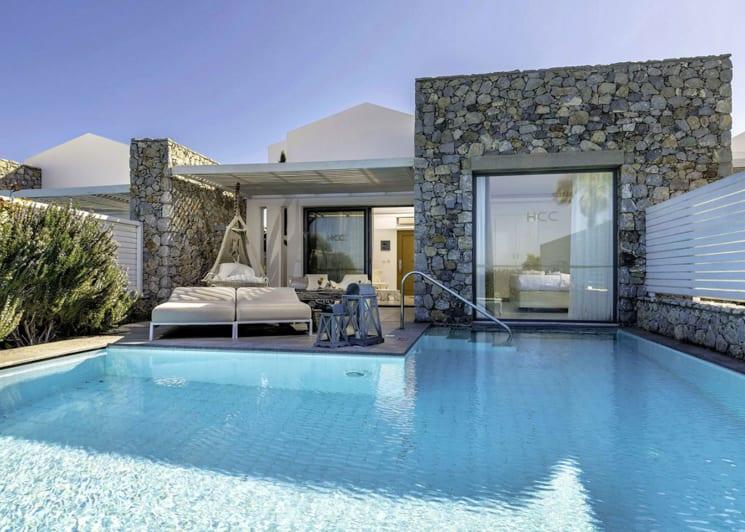 Diamond suite private pool