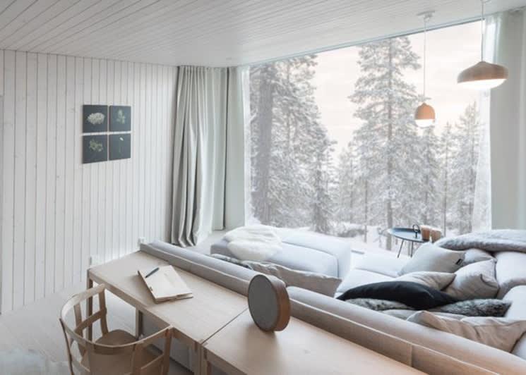 Arctic Scene Executive Suite