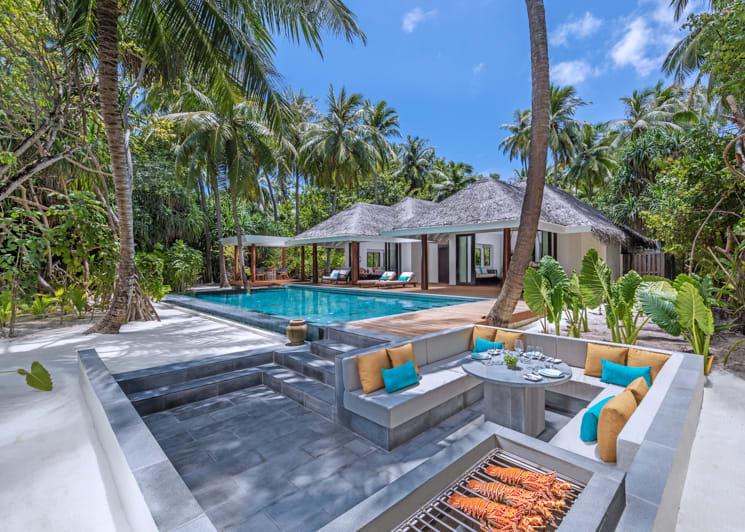 Two bedroom family beach pool villa bbq