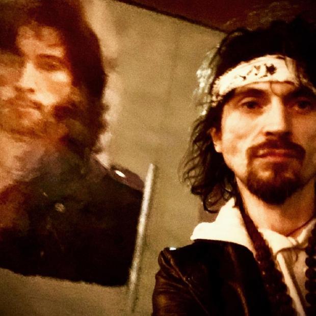 Игорь Тальков-младший - копия отца: мужчина представил граффити в честь умершего артиста