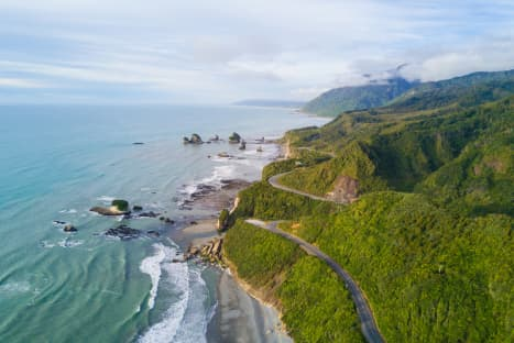 5 Reasons To Cycle New Zealand - Hobbits, Wines & Worms
