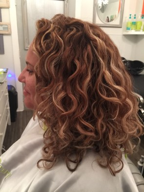 Pintura Highlights the Color Method for Curly Hair - DevaCurl Blog