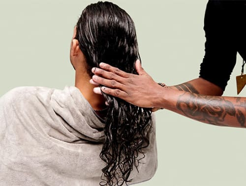 Wavy hair hands