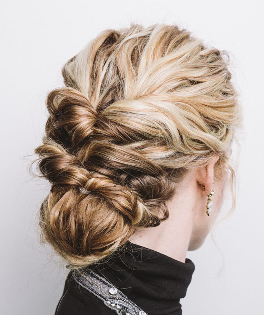 Curly Hairstyles For The Holiday Season